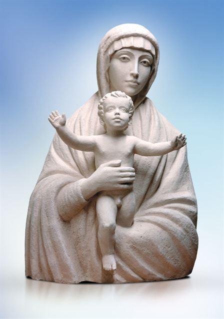 скульптура мадонна с младенцем
