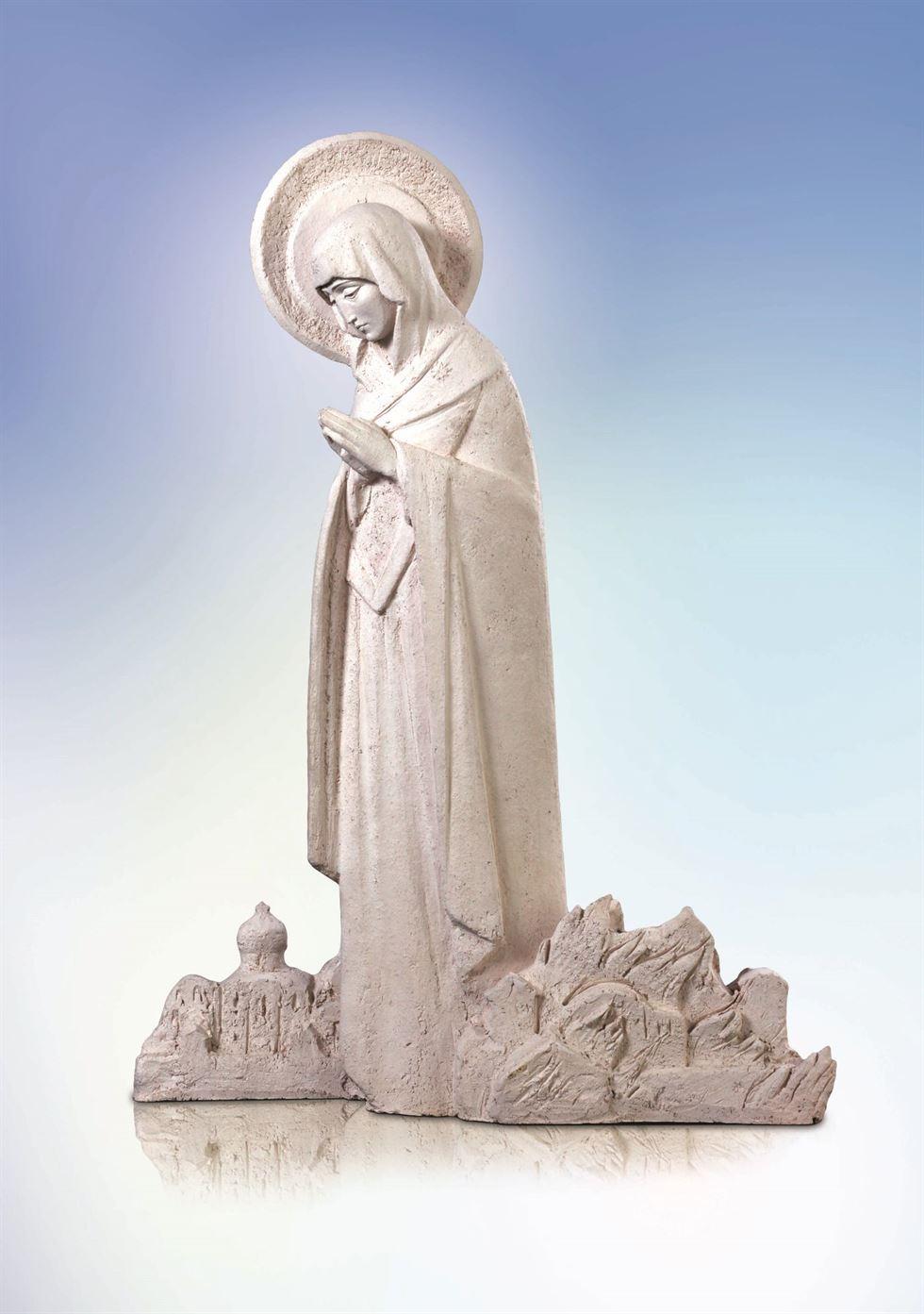 скульптура молящаяся богородица