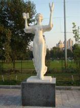 памятник муза театра