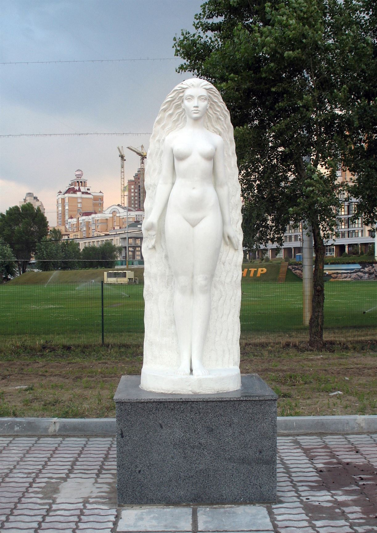 Скульптура Взгляд из Атлантиды