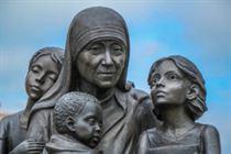 Мать Тереза с детьми