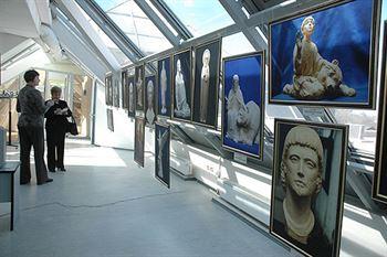 Водительство Духа. Выставка работ Алексея Леонова в Омске.