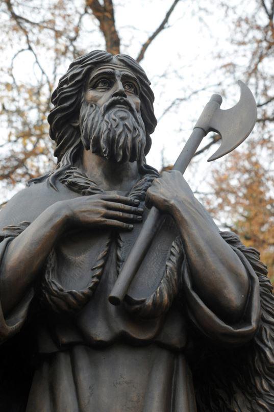 Памятник святому праведному Лаврентию Калужскому. 2015. - 2 2 768x1154