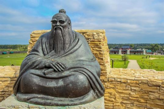 """Lao Tzu monument from the composition """"Four Wise Men"""" on the territory of «Etnomir» - Cultural and Educational Center. 2012. - IMG 3469 768x512"""