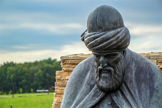 Памятник Джалаладдину Руми из композиции «Четыре мудреца» в ЭТНОМИРЕ. 2012. - IMG 3481 768x512