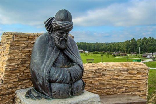 Памятник Джалаладдину Руми из композиции «Четыре мудреца» в ЭТНОМИРЕ. 2012. - IMG 3482 768x512
