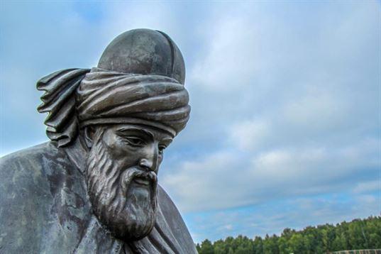 Памятник Джалаладдину Руми из композиции «Четыре мудреца» в ЭТНОМИРЕ. 2012. - IMG 3493 768x512