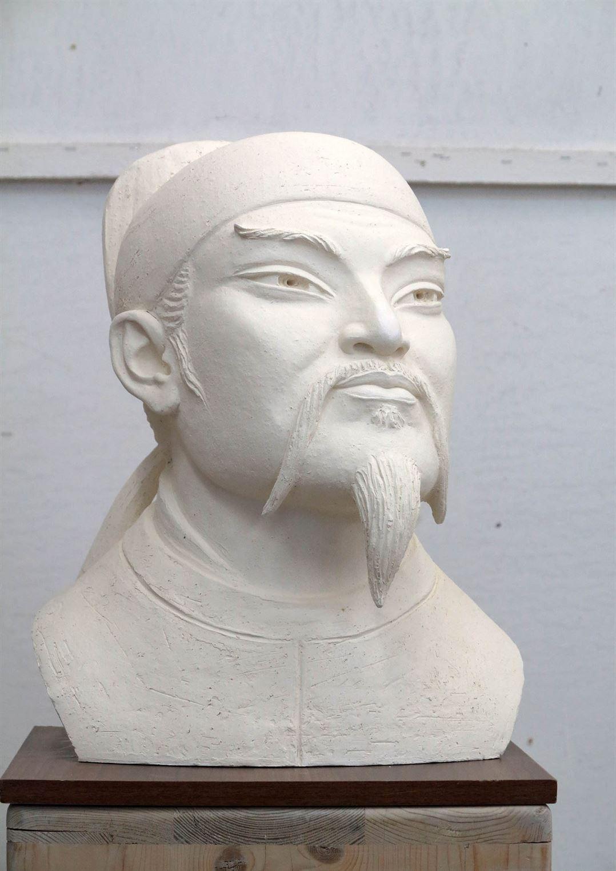 скульптура китайского поета Ли Бо