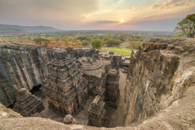 Найвідоміші скульптури всіх часів і народів - india 15 ellora caves temples in the rocks e1492127087274 400x267